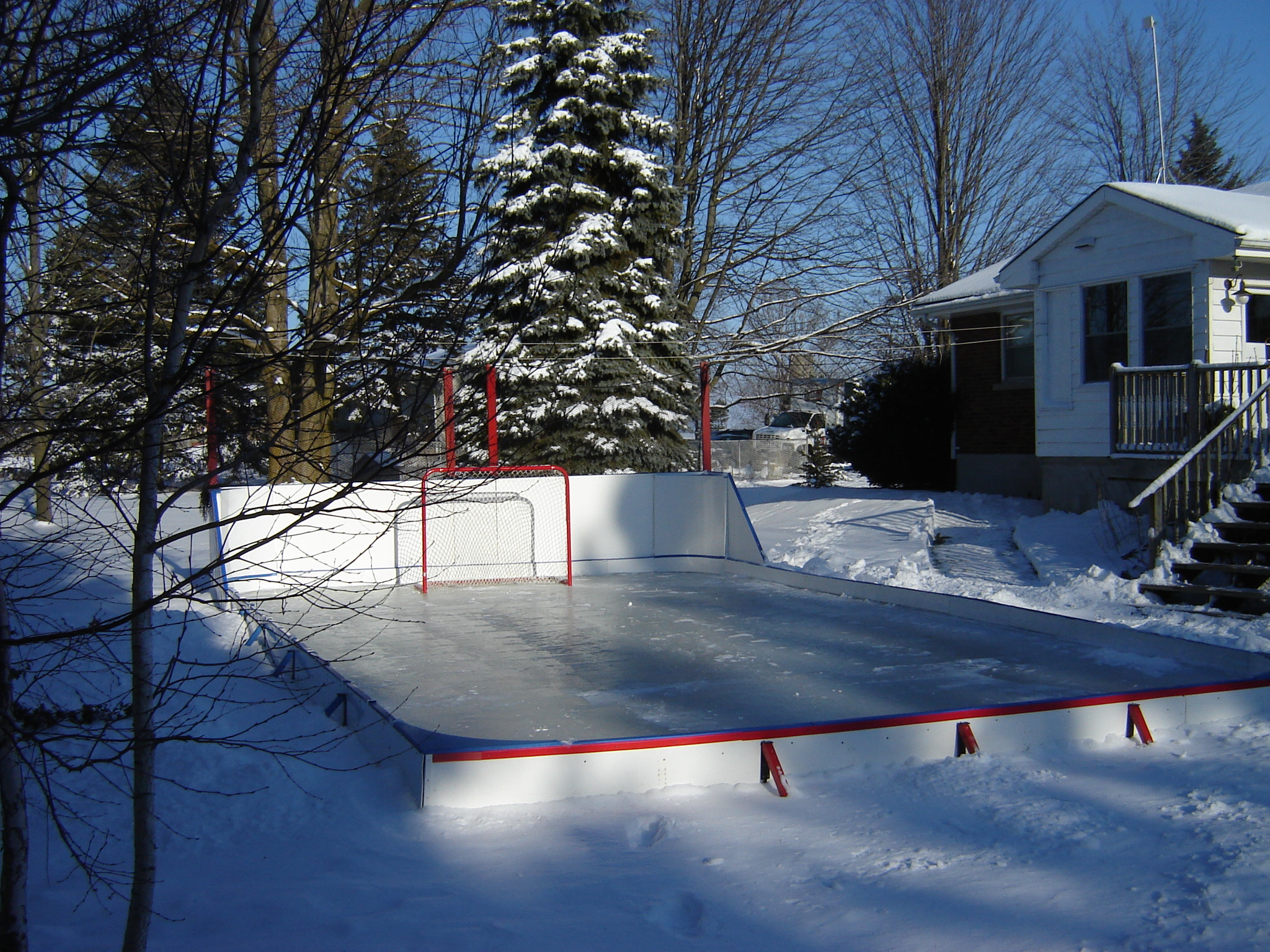 Customize and personalize your rink for your yard. Real Rinks for Real Yards.