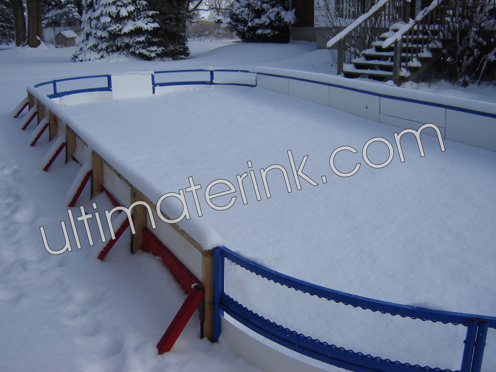 how to build a backyard rink without boards
